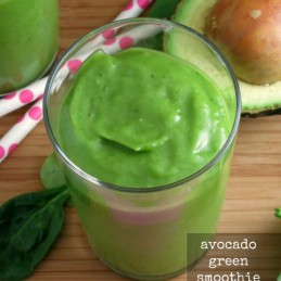 Avocado Green Smoothie - a healthy, #vegan smoothie made in minutes | www.alidaskitchen.com