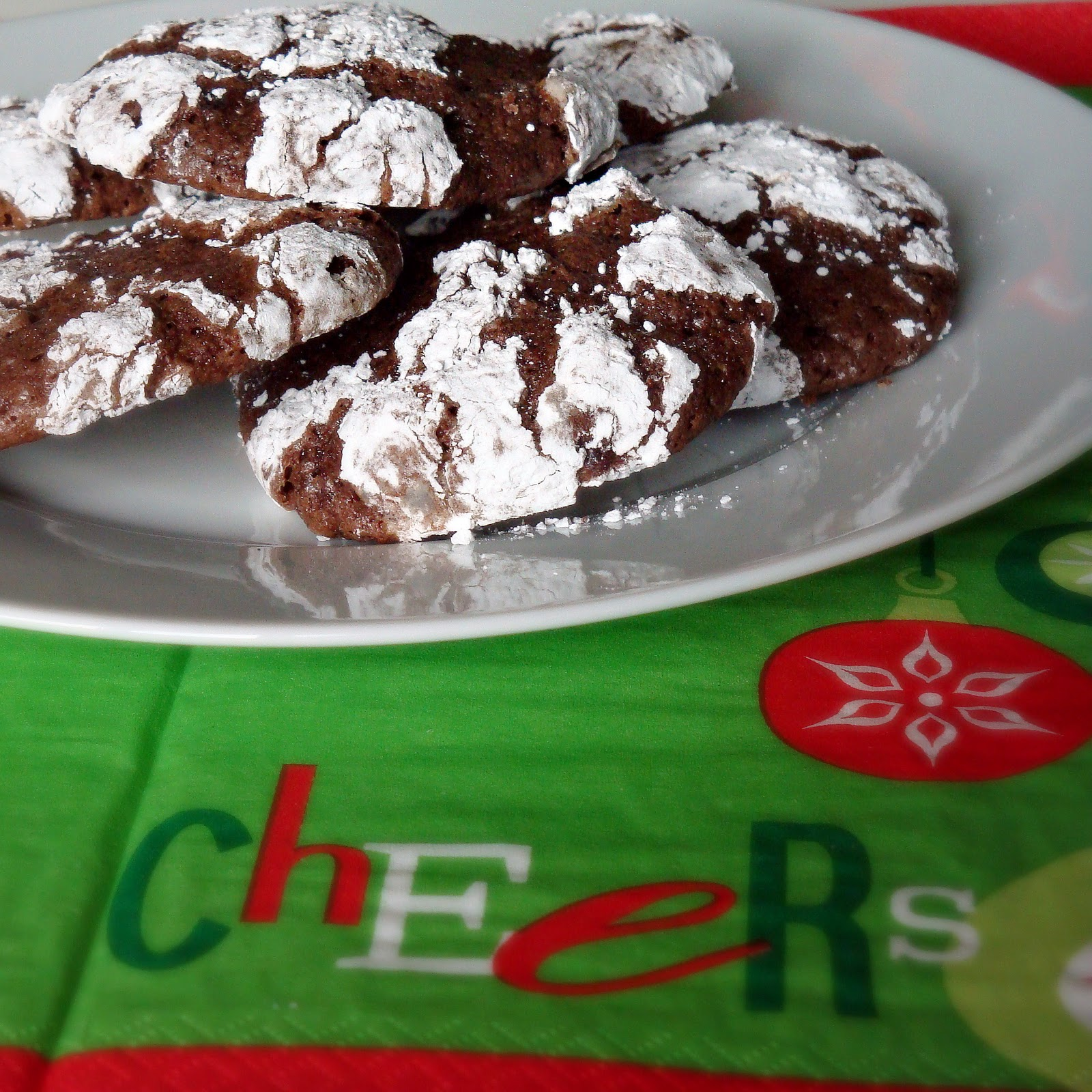 Chocolate Mint Crackle Cookies - Alida's Kitchen