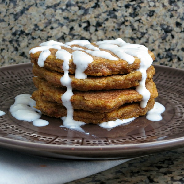 Carrot Cake Pancakes | alidaskitchen.com #recipes #healthy #carrotcake #pancakes #breakfast #Easterrecipes