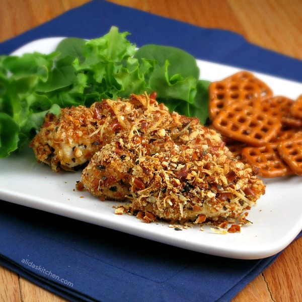 Baked Garlic Parmesan Pretzel Chicken | alidaskitchen.com #WeekdaySupper